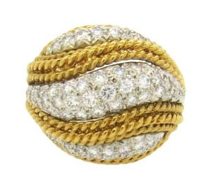 18k 1960's Yellow Gold Diamond Ring Set with approx. 1.8ctw in Diamonds